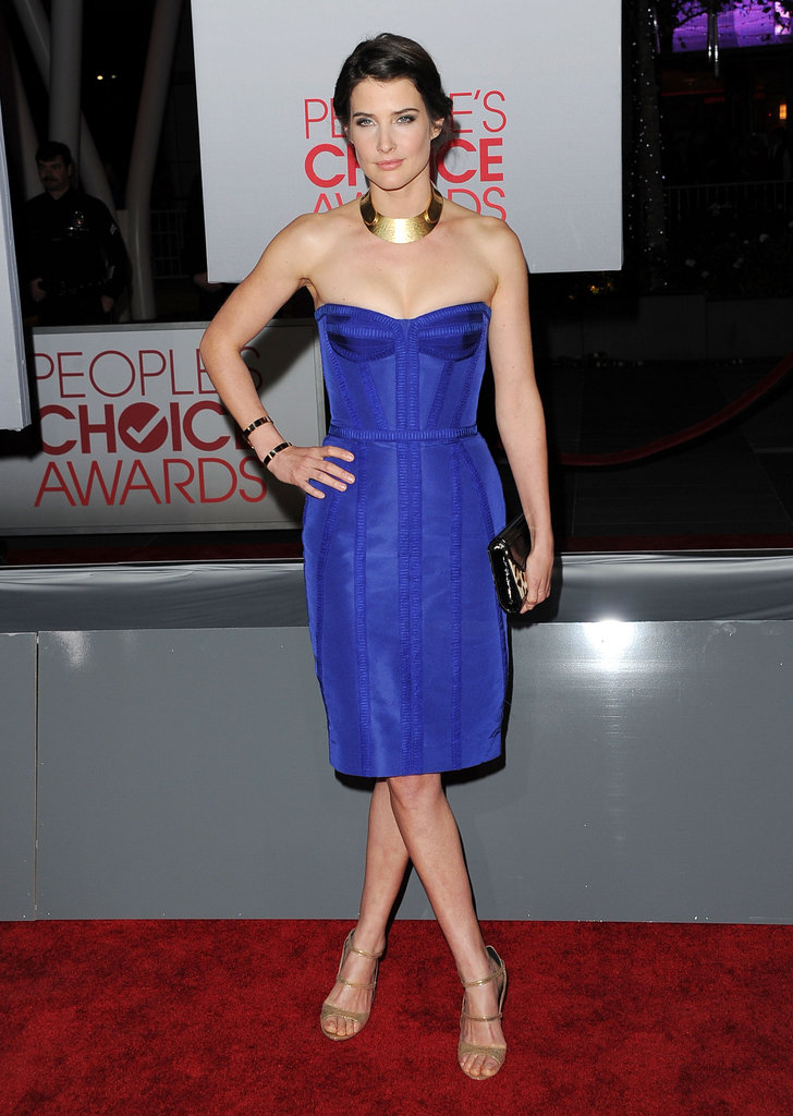 Cobie Smulders in a strapless blue dress.