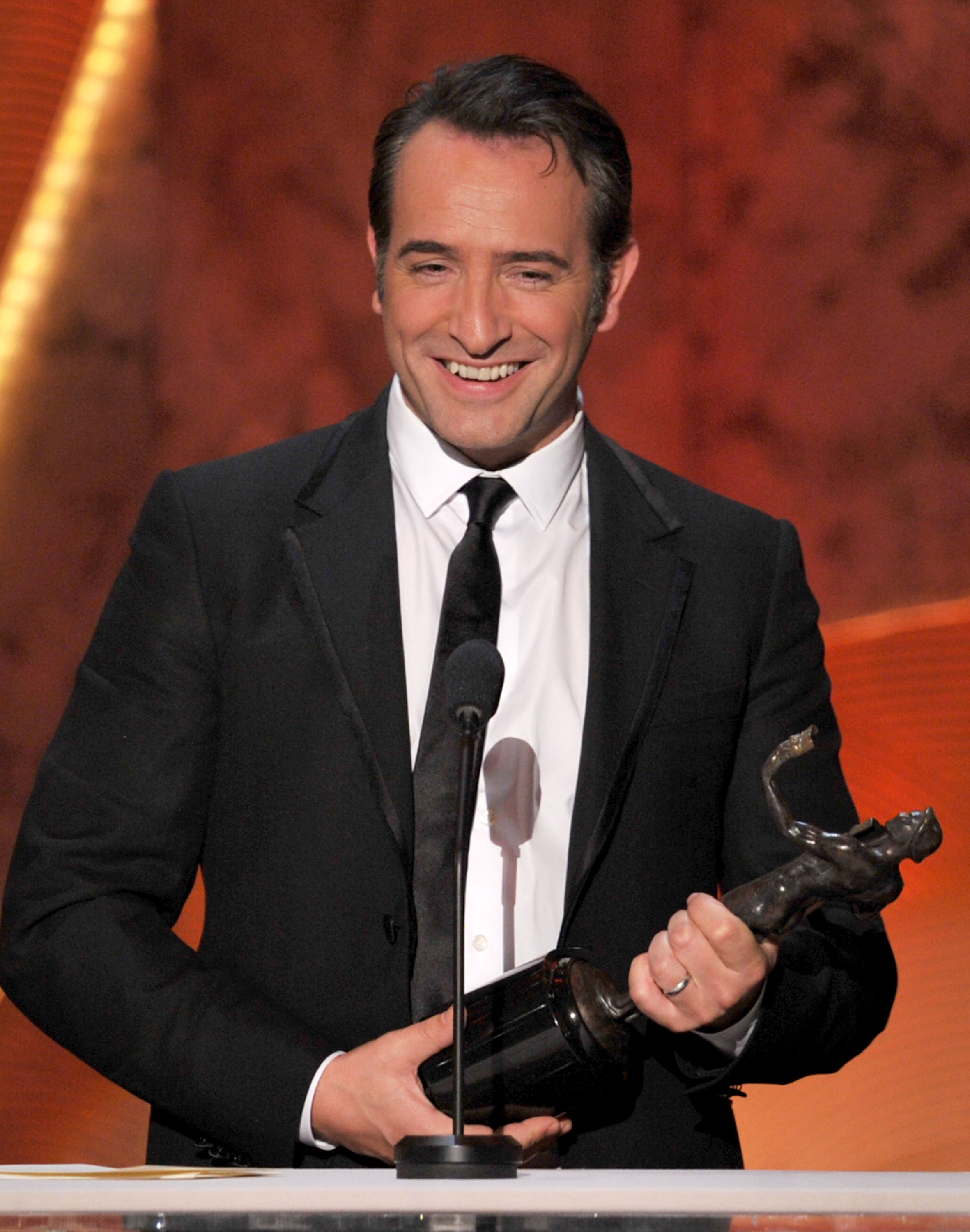 Jean dujardin the help 39 s win love for 30 rock and for Jean dujardin parents