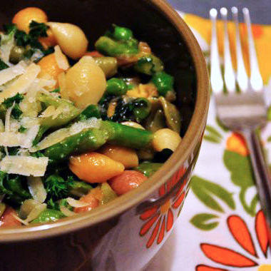 Simple Pasta with Asparagus, English Peas, Butter Lettuce