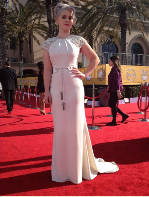 Kelly Osbourne tweeted her Badgley Mischka gown. Twitter User: MissKellyO
