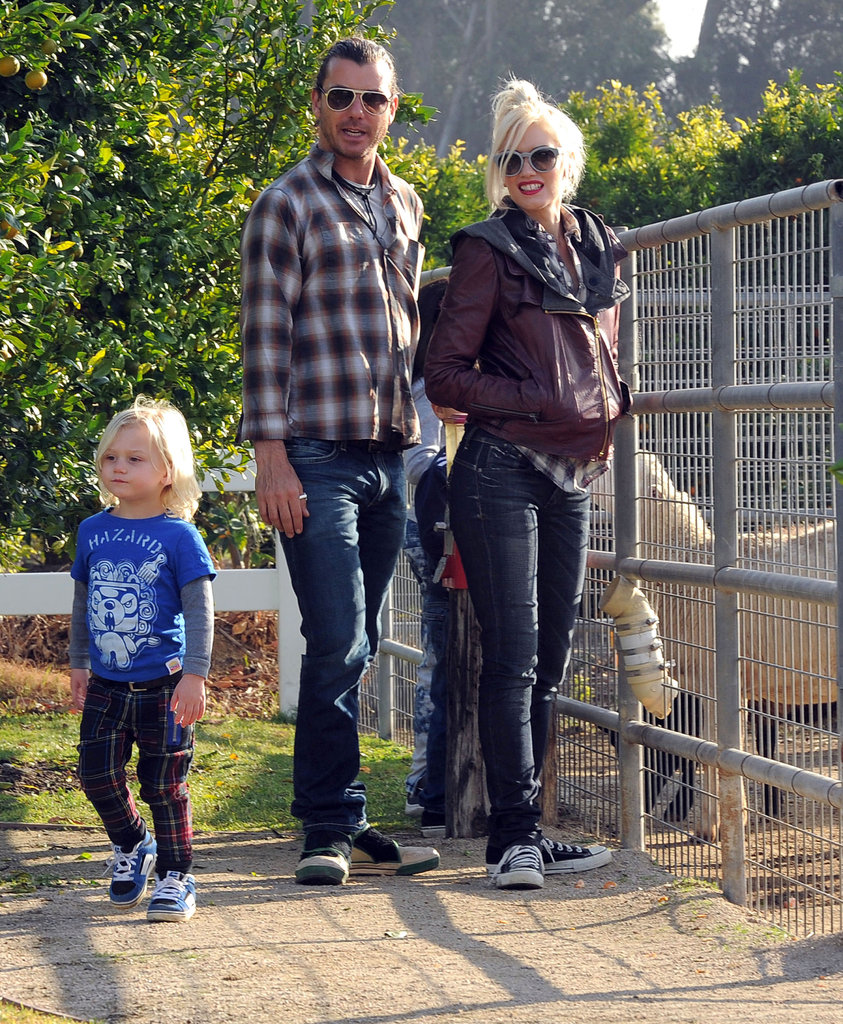 Gavin Rossdale and Gwen Stefani took Zuma Rossdale to check out the petting zoo.
