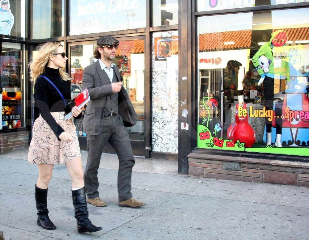 Rachel McAdams and Michael Sheen shopped for comic books.