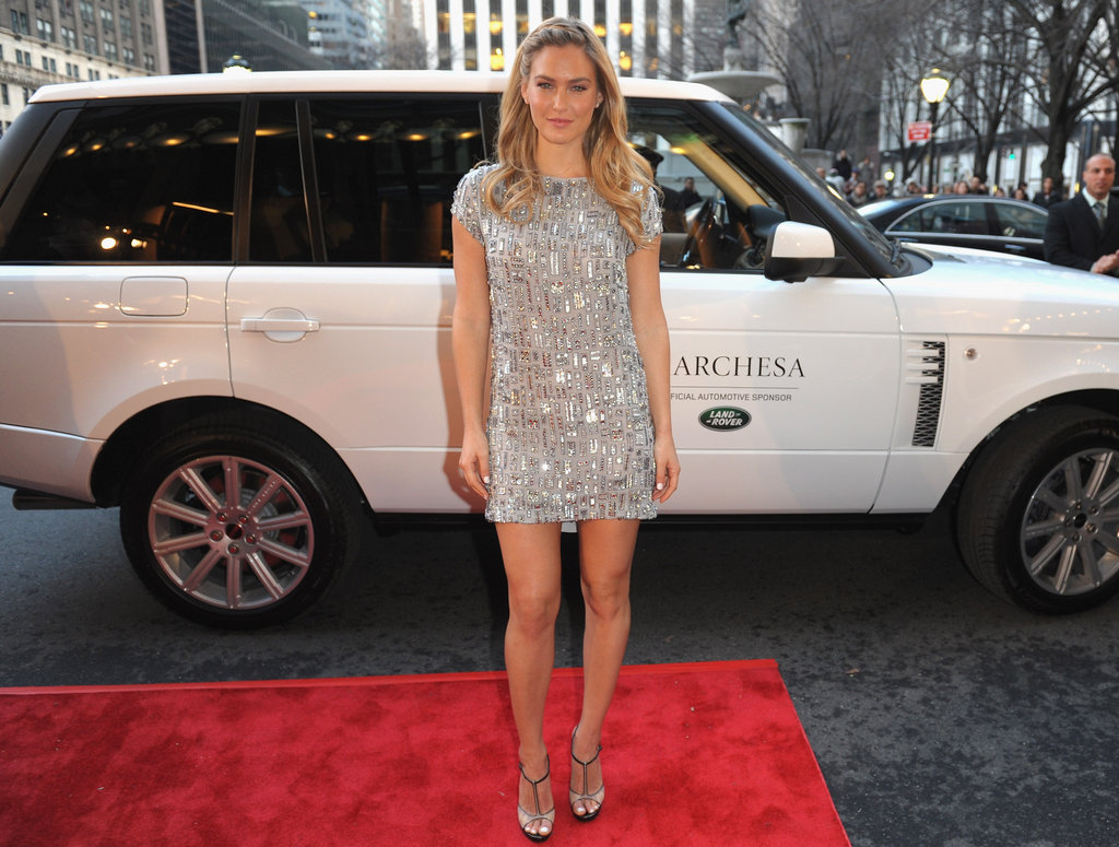 Bar Refaeli arrived via Range Rover at the Marchesa NYFW show.