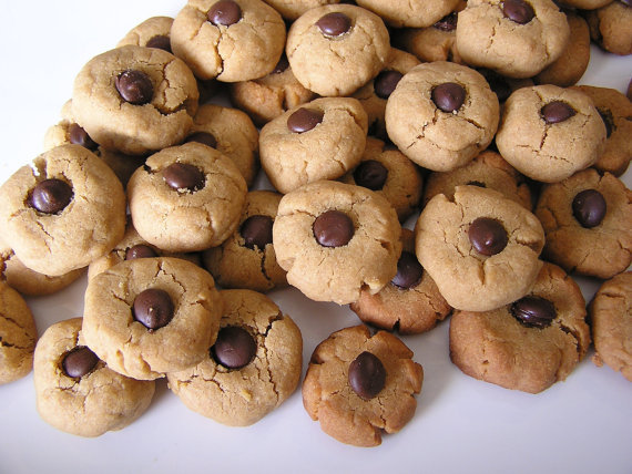 Just like grandma used to make . . . almost. Carob-and-peanut butter thumbprint cookies contain wheat germ and flaxseed to keep them healthy for dogs.