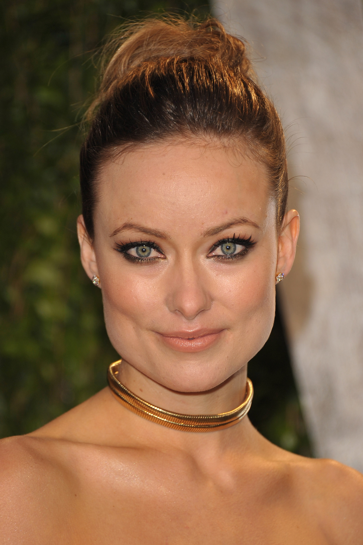Olivia Munn up close at the Vanity Fair party