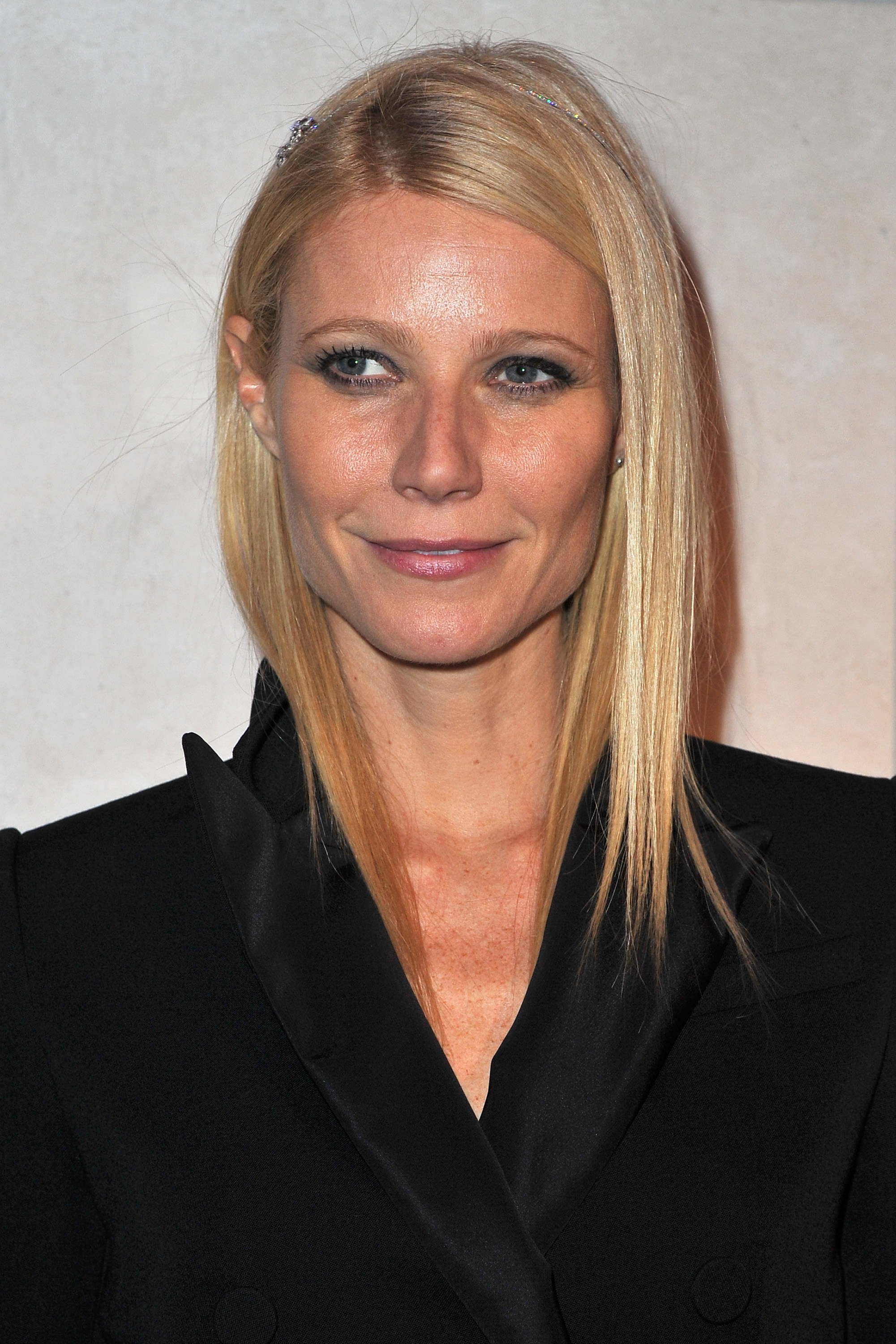 Gwyneth Paltrow Puts Her Best Foot Forward For Marc Jacobs's LV Exhibit