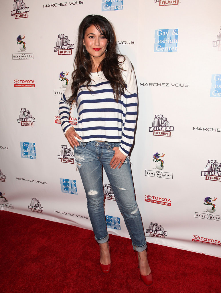 Emmanuelle Chriqui finished boyfriend denim with girlier footwear.