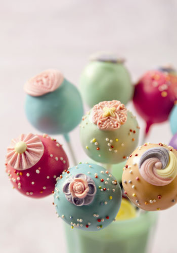 Retro Chic Cake Pops
