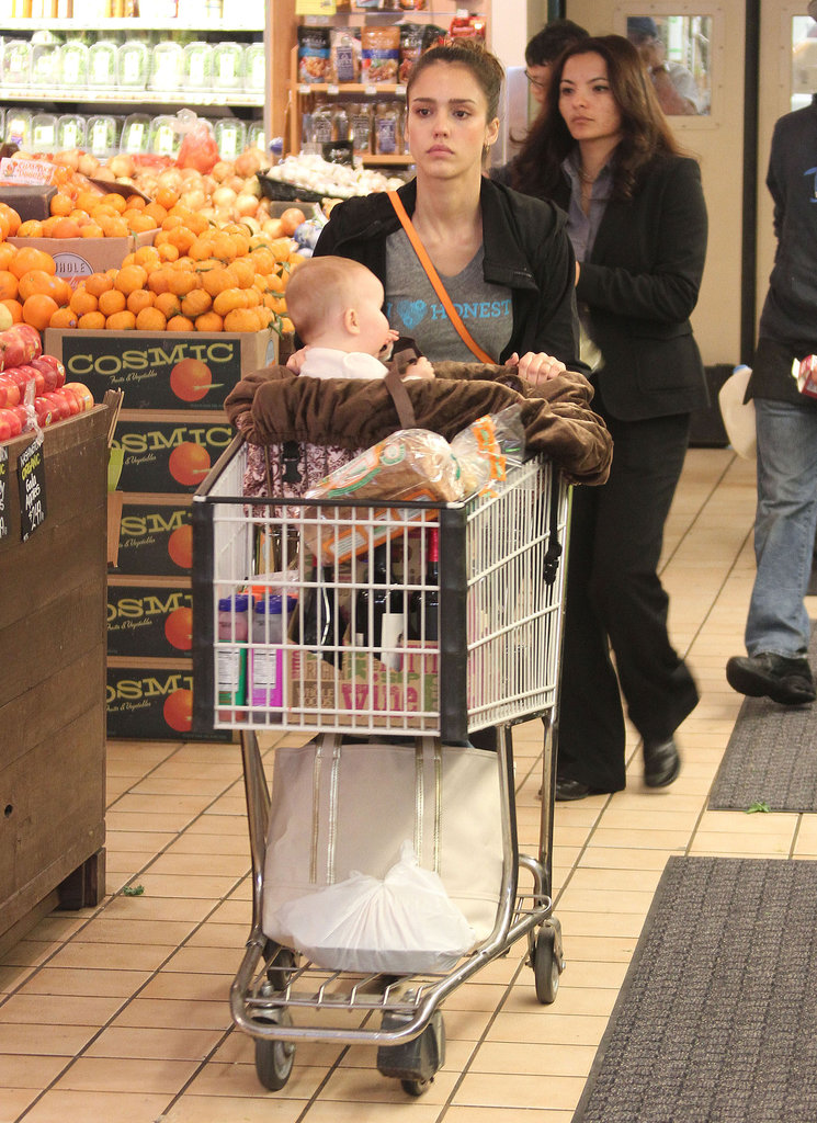 Jessica Alba shopped at Whole Foods Market in LA with daughter Haven Warren.