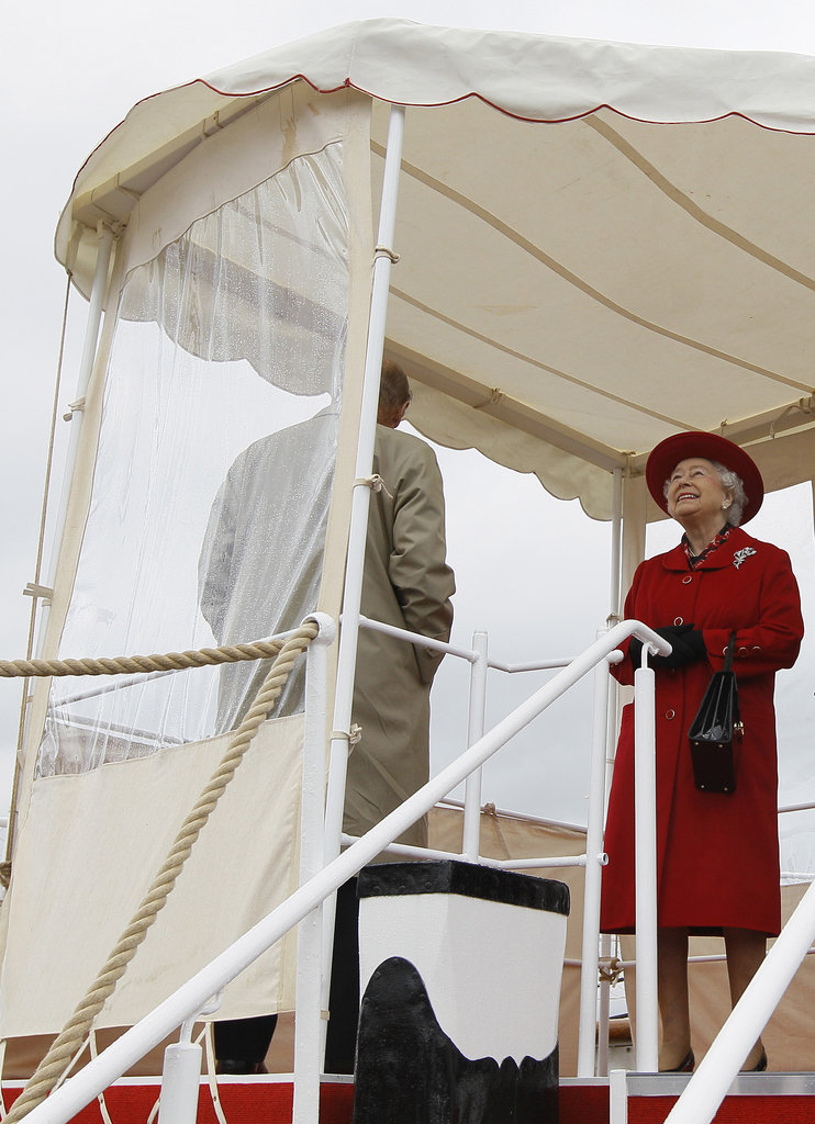 The queen seemed excited to see Gloriana.