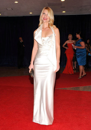 Claire Danes wore a long white dress to the White House Correspondant's Dinner.