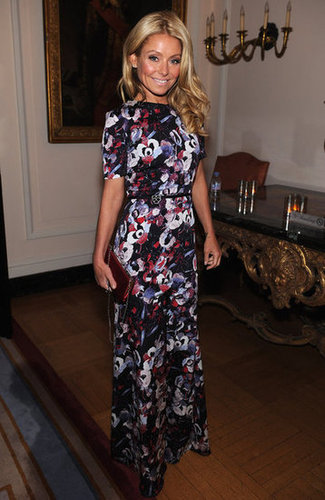 kelly Ripa looked cute in floral.