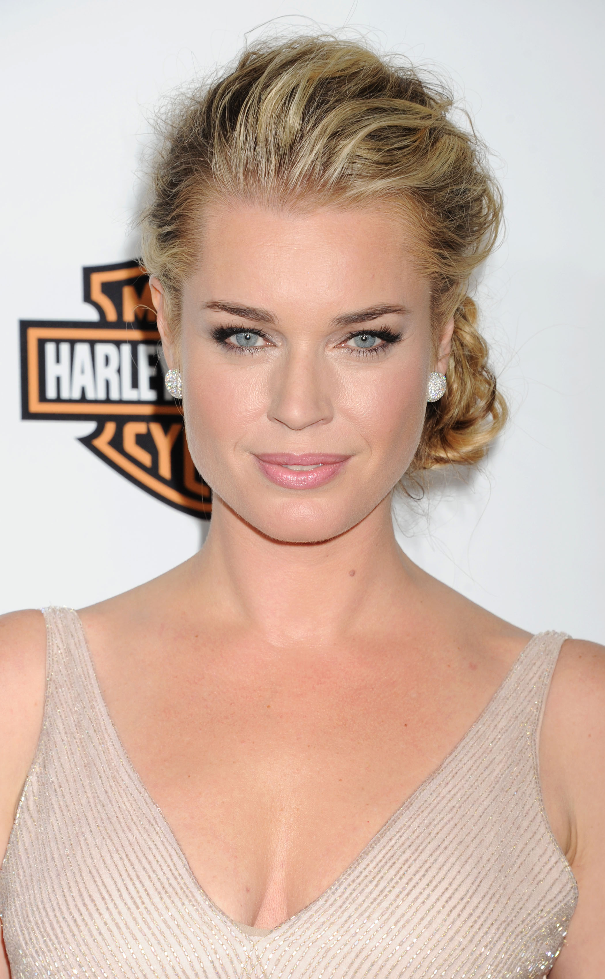 Rebecca Romijn | 10 Celebrities Who Can't Wait to Get to the Gym ...