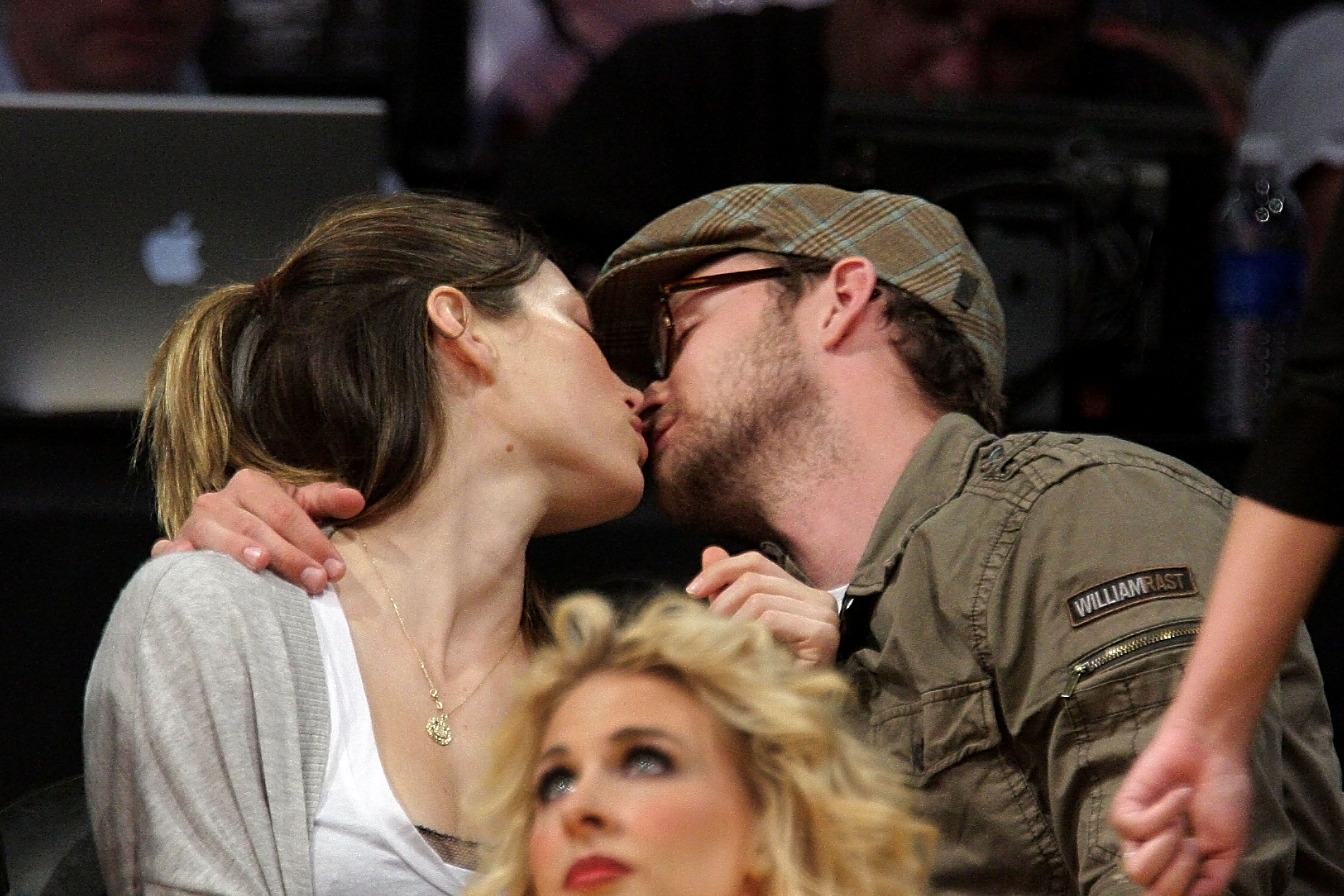 Jessica Biel and Justin Timberlake got into a deep kiss for the camera at a Lakers game.