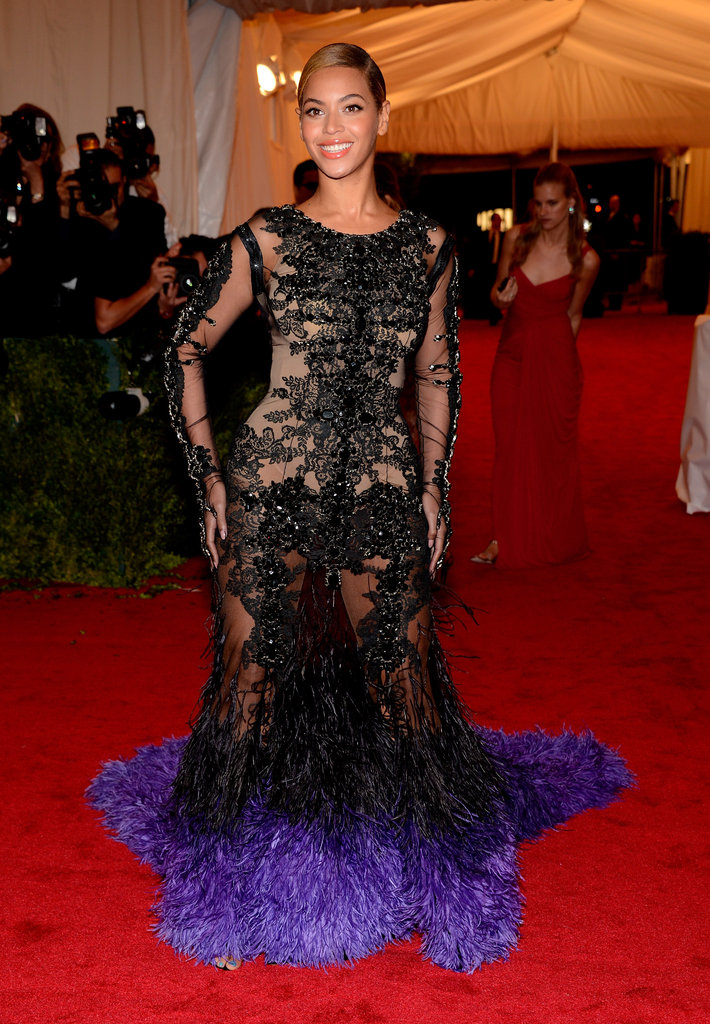 Beyoncé Knowles posed for photos at the Met Gala.