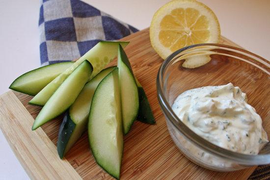 Cucumbers With Ranch Greek Yogurt Dip