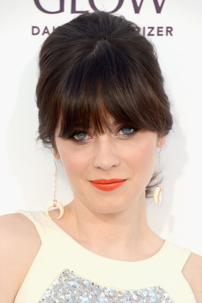 Zooey Deschanel Brings Her Retro Style to the Billboard Music Awards