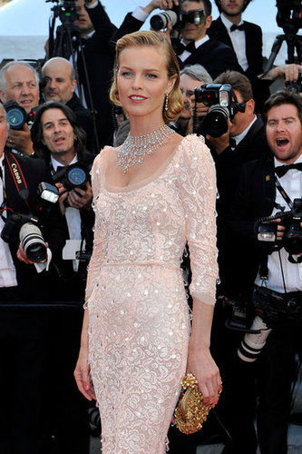 A closer look at Eva's supersparkly Dolce & Gabbana ensemble.