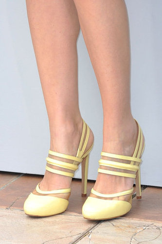Let's get a closer peek at Marion Cotillard's heels: her Versus pumps are a chic play on ladylike, retro-inspired footwear.
