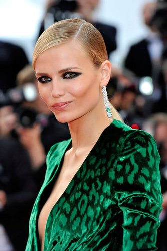 How sexy is the printed emerald-green velvet of Natasha Poly's Gucci statement dress?