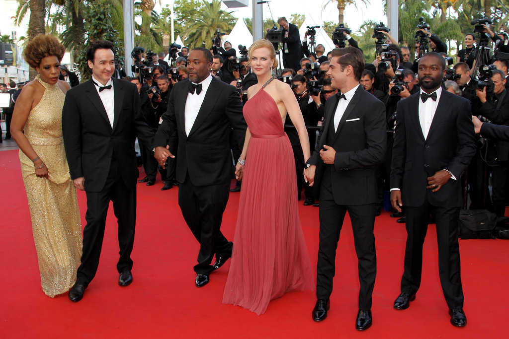 Nicole Kidman looked lovely in Lanvin as she posed with the rest of the cast on the red carpet.