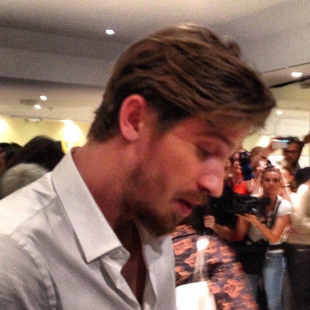 Garrett Hedlund popped into his On the Road press conference.