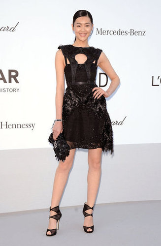 Model Liu Wen channeled an edgier all-black look — we're kind of obsessed with her sandals.