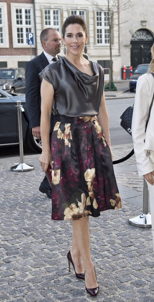 A full, A-line skirt gave Mary a '50s silhouette for yet another fashion function in Copenhagen.