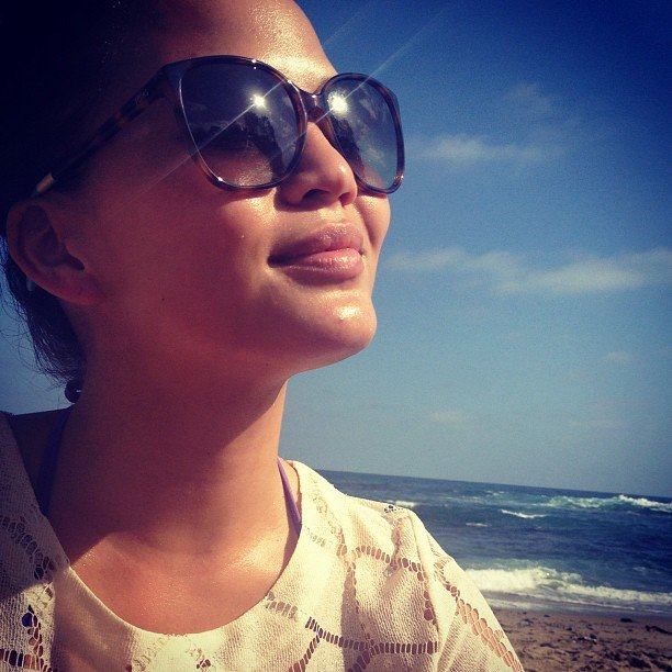 Chrissy Teigen faced the sunny day in Toms sunglasses. Source: Instagram user chrissy_teigen