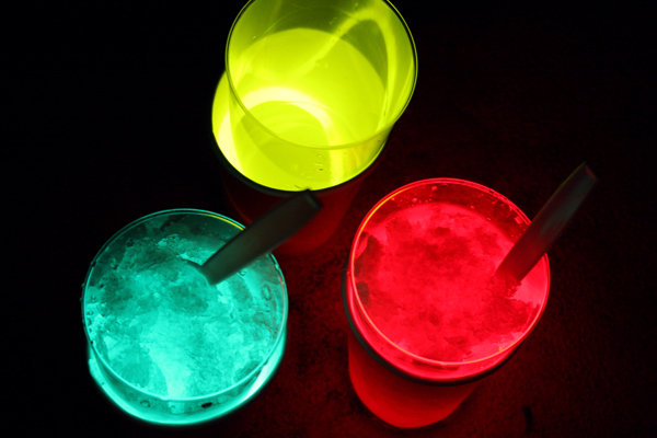 Make Glow-in-the-Dark Drinks