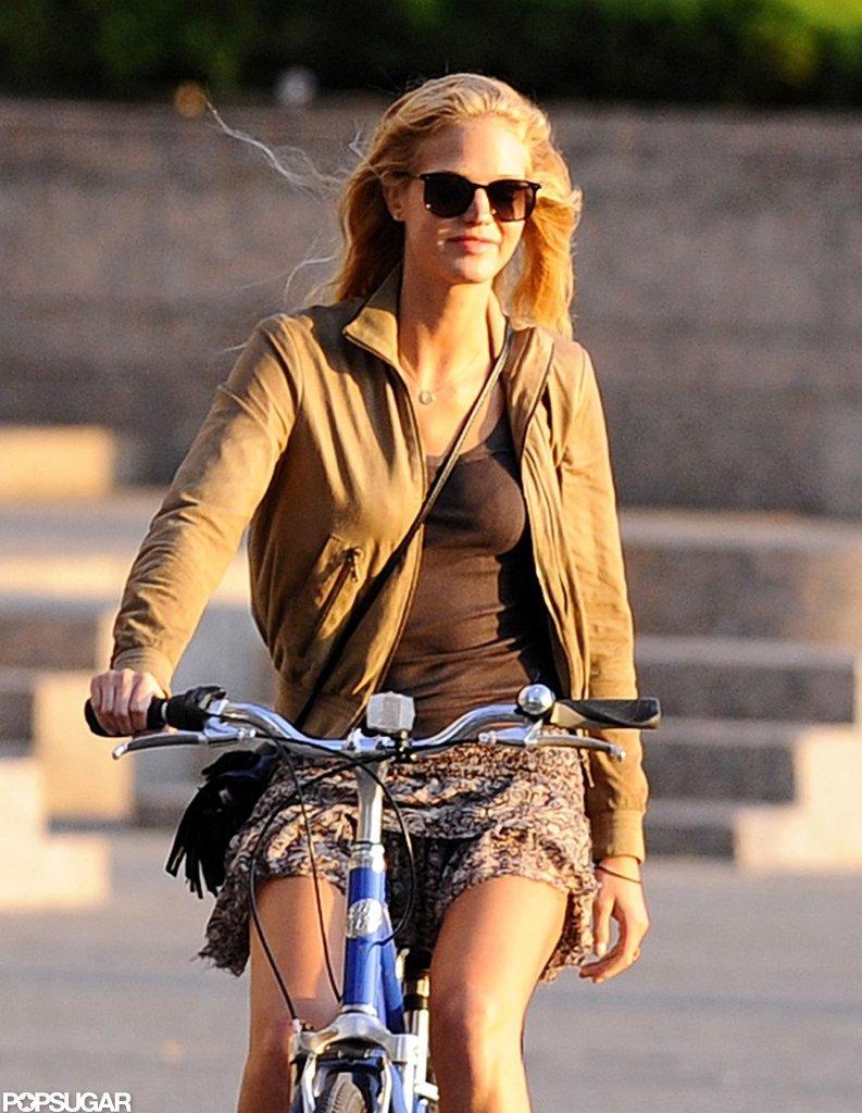 Erin Heatherton biked.