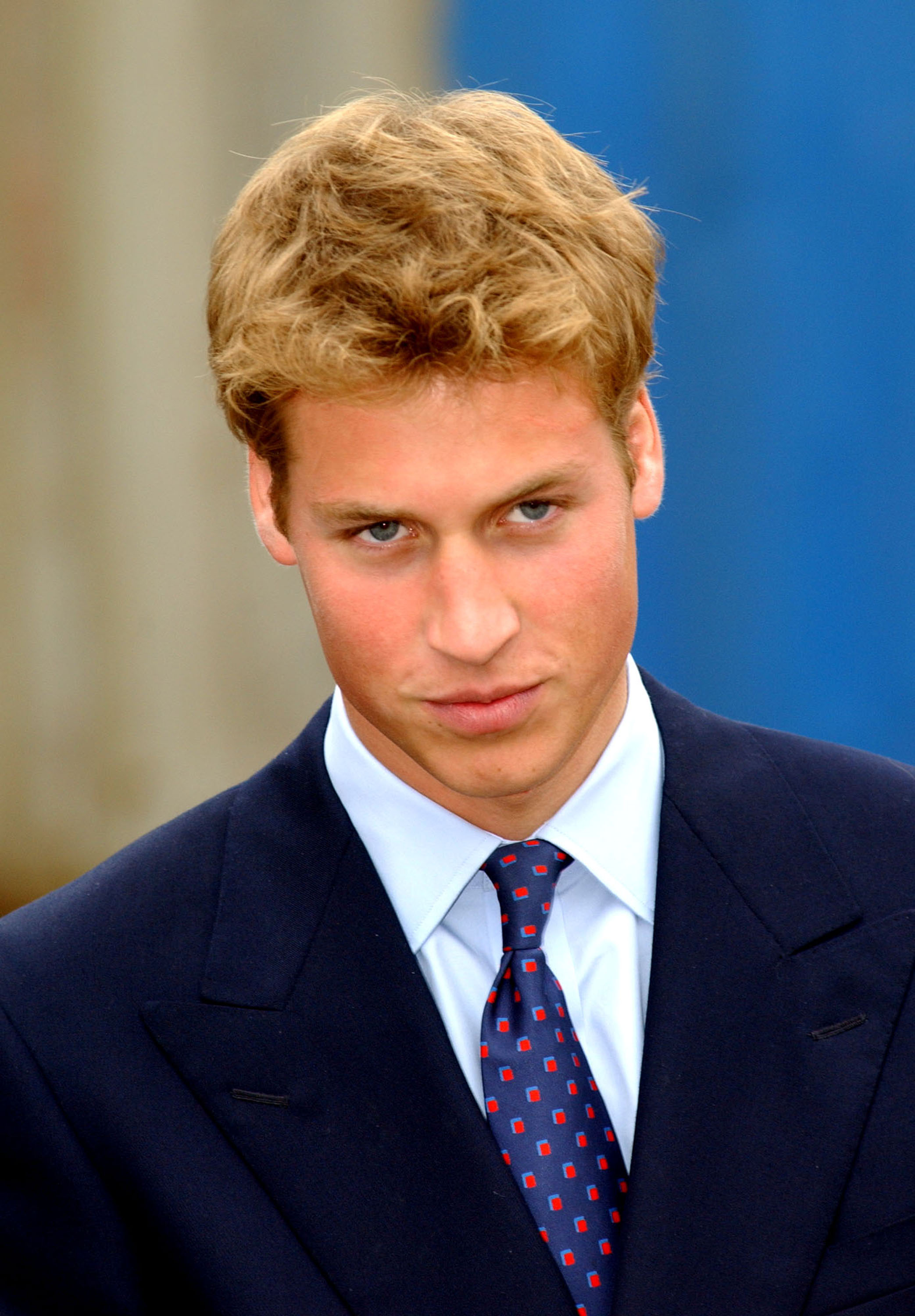 [Image: September-2001-Prince-William-showed-gri...lasgow.jpg]