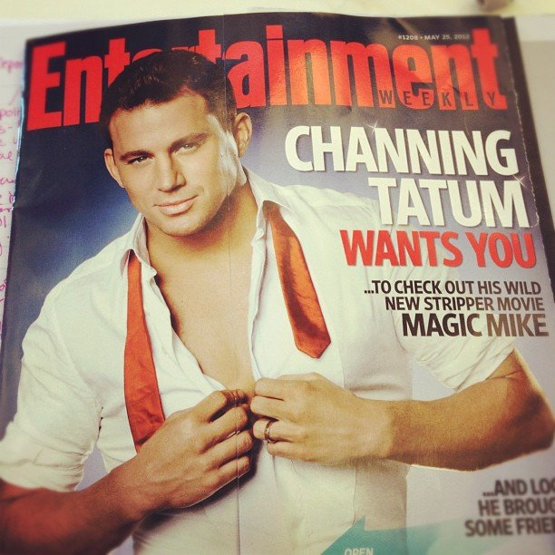 We at POPSUGAR Love & Sex caught up on our eye candy-filled mags.