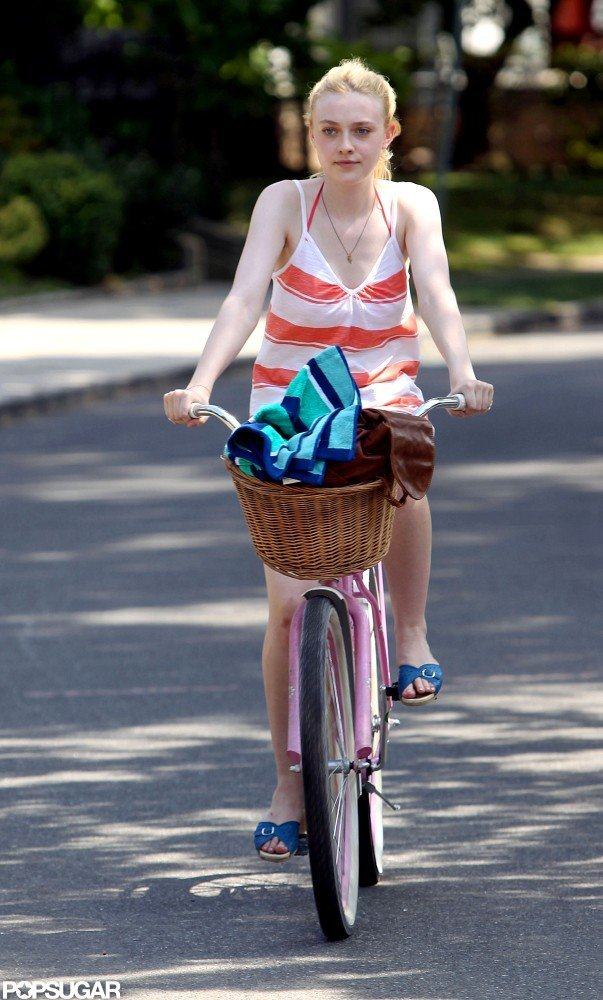 Dakota Fanning rode through a scene with ease.