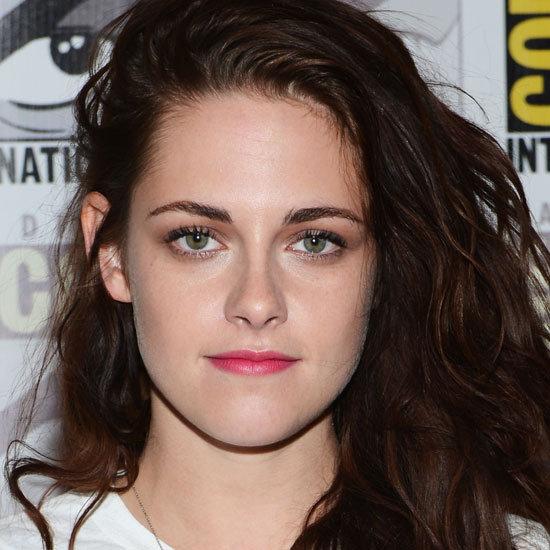Kristen Stewart Wears Pink Lipstick at Comic-Con