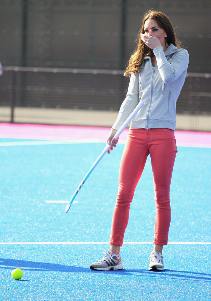 Kate enjoyed herself while meeting members of the men's and women's hockey teams.