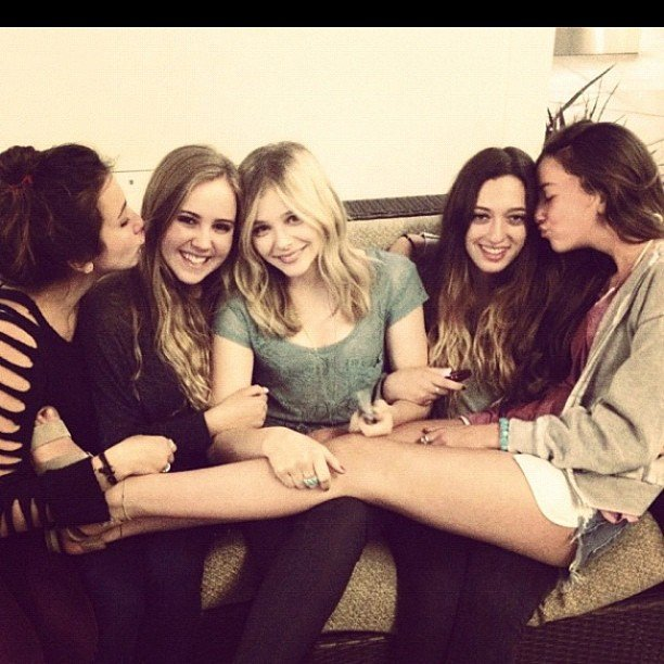 Chloe Moretz took a sweet snap with a group of girlfriends. Source: Instagram user cmoretz