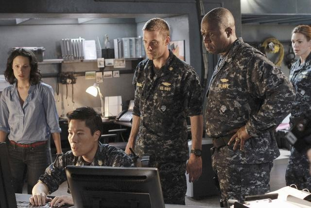 Camille De Pazzis, Michael Ng, Scott Speedman, and Andre Braugher in Last Resort.