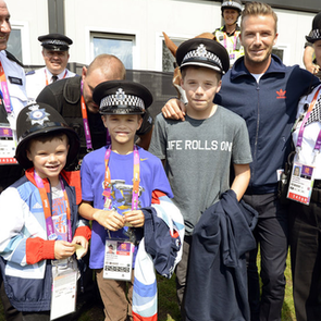 David Beckham and Sons Say Thanks to 2012 Olympic Guards