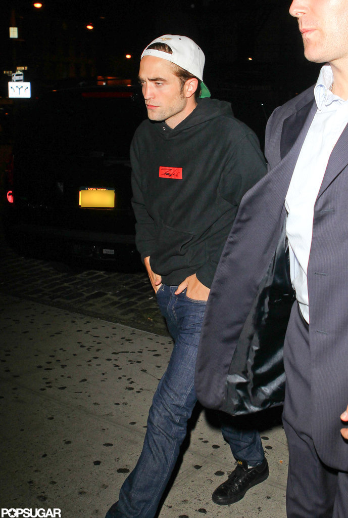 Robert Pattinson Spends an NYC Night Out With Friends