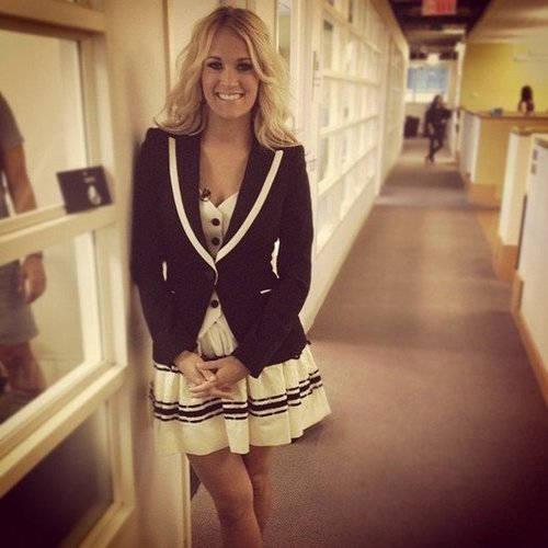 Carrie Underwood stopped by VH1's offices. Source: Instagram user vh1