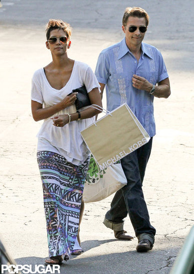 Halle Has a Postbirthday Shopping Date With Olivier