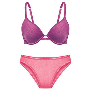GET THE SHAPE YOU WANT UNDER EVERY OUTFIT WITH VASSARETTE®