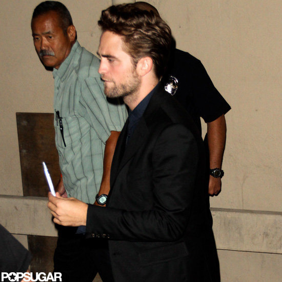 Robert Pattinson came prepared with a pen to sign autographs for fans.
