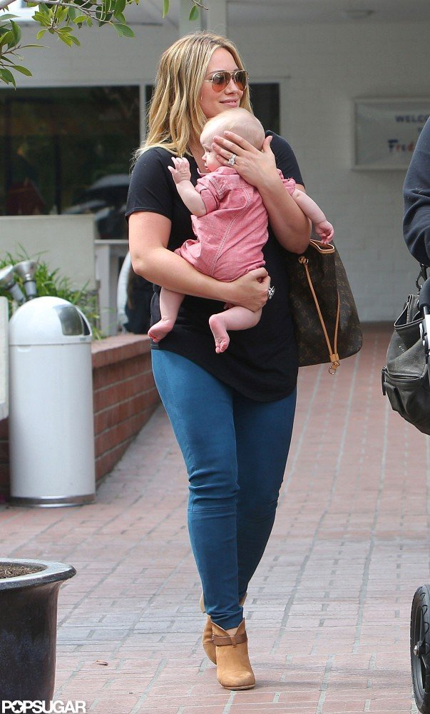 Hilary Duff wore skinny jeans and a t-shirt in Santa Monica.