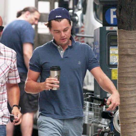 Leonardo DiCaprio on The Wolf of Wall Street Set ... Leonardo Dicaprio Wolf Of Wall Street Hair