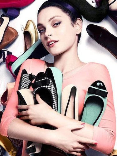 Flats galore, and Jessica Stam's got them all in the H&M accessory ads.