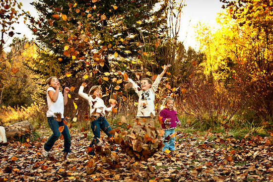 Shutterbug: 10 Fall Leaf Pictures to Get With Your Kids