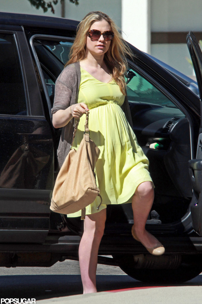 Anna Paquin hopped out of her car.