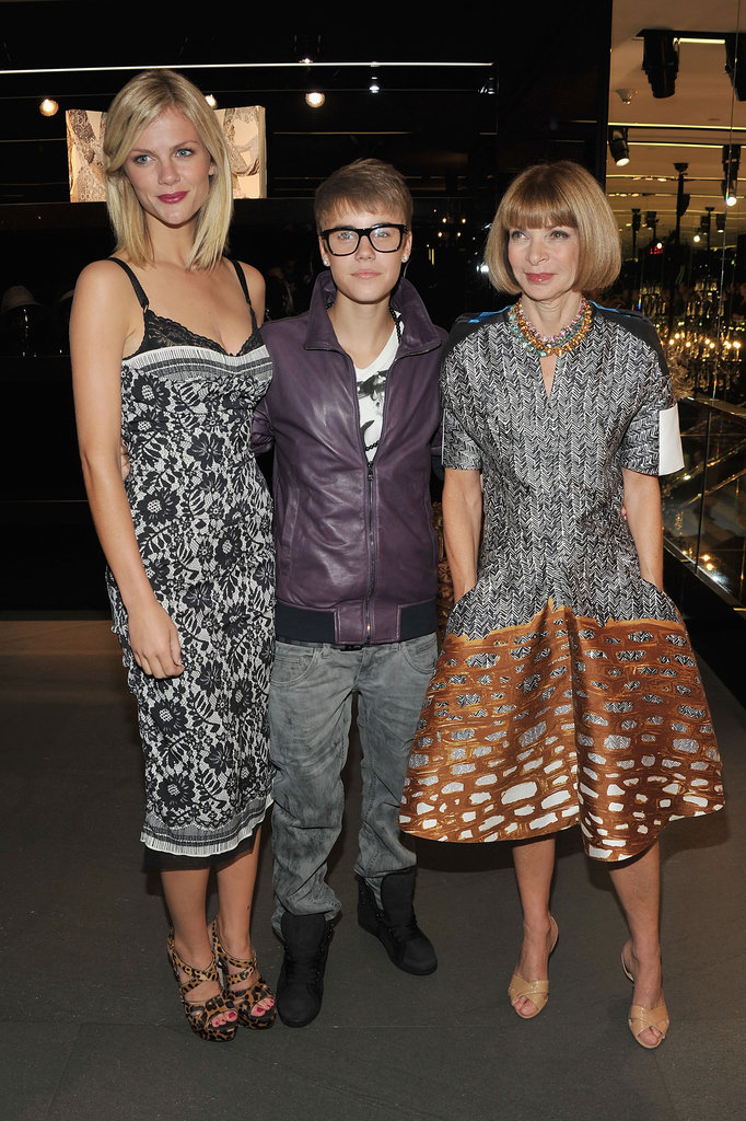 Brooklyn Decker and Justin Bieber posed with Anna Wintour during a 2011 Dolce & Gabbana party.